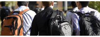 後背包 Backpack 簡史:被華盛頓大學生亂用一通而掀起的現代背包變革。